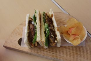 Foto 7 - Makanan(Beef Katsu Sandwich) di Turning Point Coffee oleh Komentator Isenk