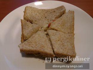 Foto 2 - Makanan(Sandwich Tuna) di Trotoar oleh dinny mayangsari