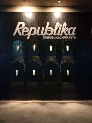 Foto review Republika Cafe & Resto oleh Putra  Kuliner  8