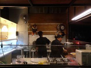 Foto 3 - Eksterior(Open Kitchen ) di Meat Compiler oleh Irda Farinduany