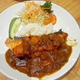 Foto 2 - Makanan(Salmon Curry Rice) di J Sushi oleh felita [@duocicip]