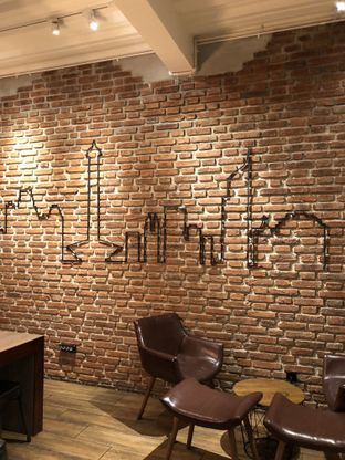 Foto 7 - Interior di Dancing Goat Coffee Co. oleh Mitha Komala