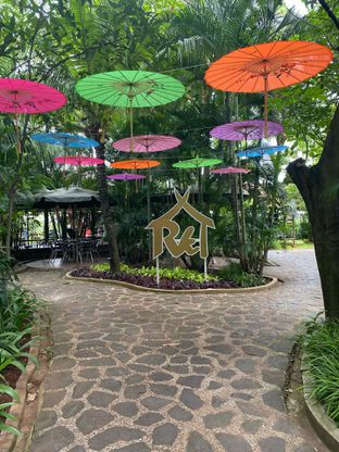 Foto 15 - Interior di Taman Santap Rumah Kayu oleh Jeljel
