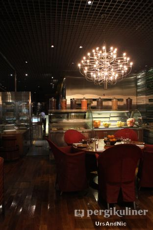 Foto 23 - Interior di C's Steak and Seafood Restaurant - Grand Hyatt oleh UrsAndNic