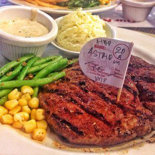 Foto 2 - Makanan di Steak Hotel by Holycow! oleh Astrid Huang | @biteandbrew