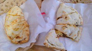 Foto 1 - Makanan(Beef BBQ & Chick O Cheese) di Panties Pizza oleh Novita Purnamasari