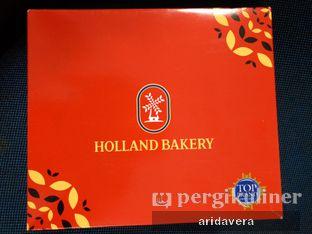 Foto 1 - Interior di Holland Bakery oleh Vera Arida