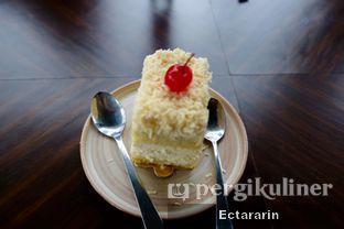 Foto 1 - Makanan(Socialite Cheesecake) di The Socialite Bistro & Lounge oleh Ectararin