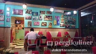 Foto 4 - Interior di Mix Diner & Florist oleh Jakartarandomeats