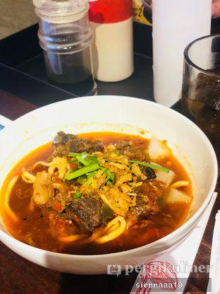 Foto 2 - Makanan(Beef Noodle Soup) di Chopstix oleh Sienna Paramitha