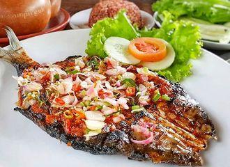 8 Restoran Seafood di Tangerang Paling Populer dan Selalu Ramai