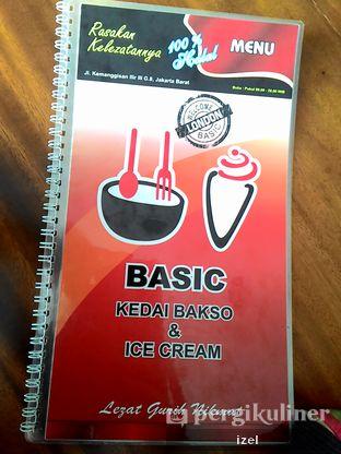 Foto 5 - Interior di BASIC Kedai Bakso dan Ice Cream oleh izel / IG:Grezeldaizel