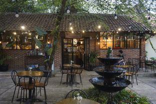 Foto 10 - Interior di Ol' Pops Coffee oleh yudistira ishak abrar