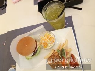 Foto 1 - Makanan di MOS Cafe oleh riamrt