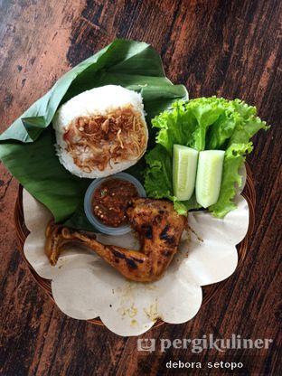 Foto review Ayam Penyet Ibu Yani oleh Debora Setopo 3