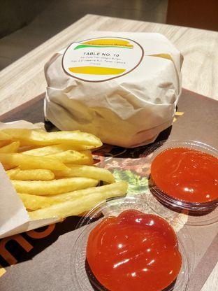 Foto 1 - Makanan di BurgerUP oleh Lisa_ Hwan