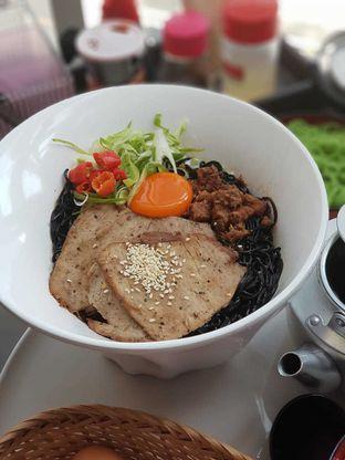 Foto 1 - Makanan di Universal Noodle Ichiro Chazuke Ramen Market oleh Makankalap