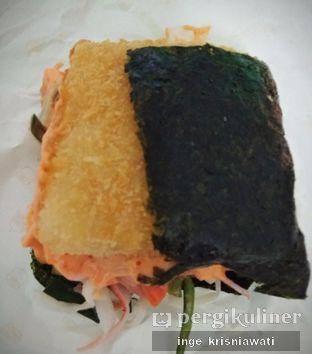 Foto 1 - Makanan(Salmon Mentai) di Burgushi oleh Inge Inge