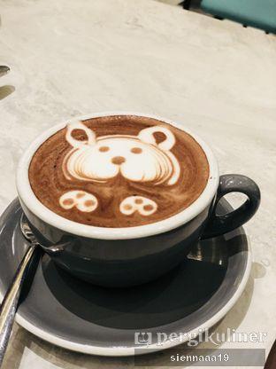 Foto 3 - Makanan(Hazelnut latte) di Devon Cafe oleh Sienna Paramitha