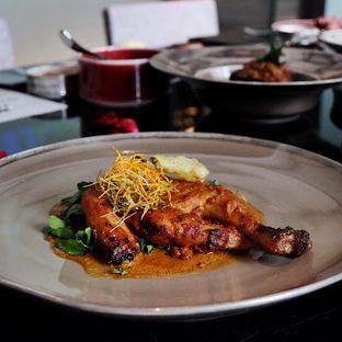 Foto 10 - Makanan(Rujak Chicken) di 1945 Restaurant - Fairmont Jakarta oleh Lunchgetaway