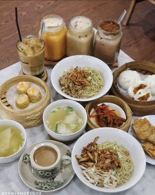 Foto 10 - Makanan di Bakmi Tiong Sim oleh @kenyangbegox (vionna)