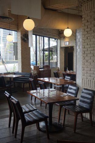 Foto 12 - Interior di The Goods Diner oleh yudistira ishak abrar