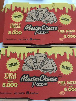 Foto 1 - Makanan di Master Cheese Pizza oleh inri cross