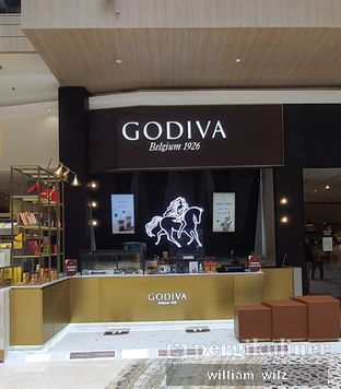 Foto review Godiva oleh William Wilz 4