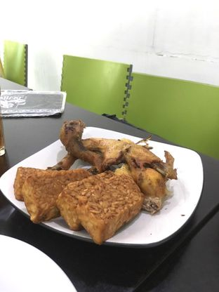 Foto 6 - Makanan di Ayam Goreng Berkah oleh Prido ZH
