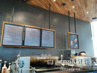 Foto 7 - Interior di Starbucks Coffee oleh Rensus Sitorus