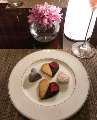 Foto 1 - Makanan di Alto Restaurant & Bar - Four Seasons oleh Mitha Komala