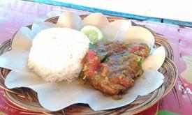 Ayam Penyet Saung Eyang