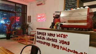 Foto 7 - Interior di Teman Sebangku Coffee oleh Naomi Suryabudhi