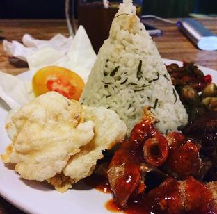 Foto - Makanan di Gerobak Betawi oleh Indah Sari