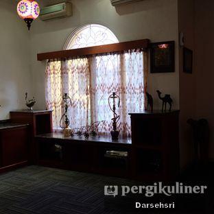 Foto 13 - Interior di Mid East Restaurant oleh Darsehsri Handayani