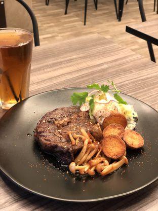 Foto 1 - Makanan di Fe Cafe oleh Duolaparr