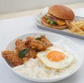 Foto Golden Yolk Chicken di The Neighbors Cafe