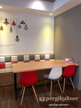 Foto 5 - Interior di Kojima Burger & Coffee oleh Cubi