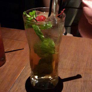 Foto 7 - Makanan(Apple Lime Mojito) di Holywings oleh Chrisilya Thoeng