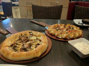 Foto - Makanan di Pizza Hut oleh Toto Mulyana