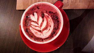 Foto 5 - Makanan(Red velvet latte) di Oak Barrel oleh Komentator Isenk