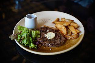 Foto 1 - Makanan(Sirloin Steak) di Above and Beyond oleh Fadhlur Rohman