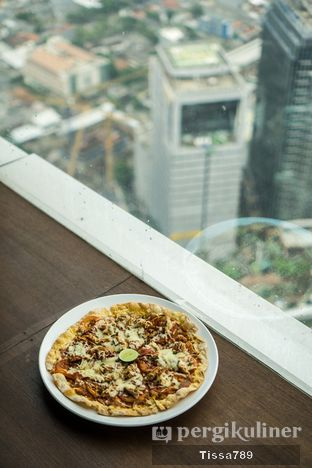 Foto 4 - Makanan di Scenic 180° (Restaurant, Bar & Lounge) oleh Tissa Kemala