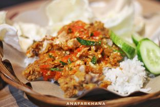 Foto 1 - Makanan di Ayam Geprek Pangeran oleh Ana Farkhana