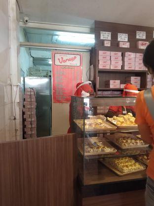 Foto review Roti Unyil Venus & Asinan Gedung Dalam oleh deasy foodie 4