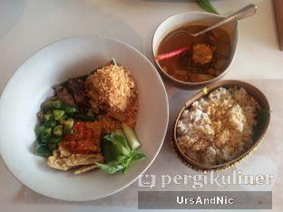 Foto 12 - Makanan(Nasi tutug ayam goreng) di Tesate oleh UrsAndNic