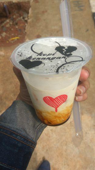 Foto 1 - Makanan(Ice Milk Boba (IDR 20k)) di Kopi Kenangan oleh Renodaneswara @caesarinodswr