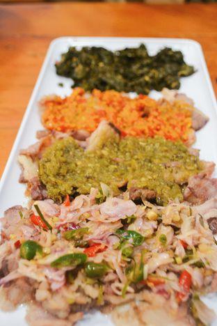 Foto - Makanan di Daging Asap Sambal oleh IG: biteorbye (Nisa & Nadya)