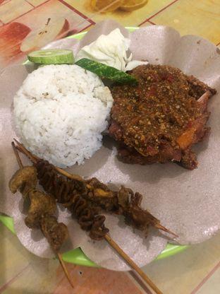Foto - Makanan di Ayam Gepuk Pak Gembus oleh @Perutmelars Andri