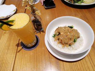 Foto 2 - Makanan(Honey miso pork) di Ravelle oleh Linda Susanto